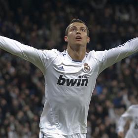 Aparece Cristiano para reactivar al Madrid. Real Madrid (2) - Valencia (0)