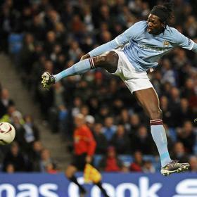 Adebayor es el 9 de Mourinho.