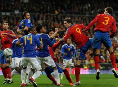Silva rompe el maleficio post-mundial. España (1) - Colombia (0)