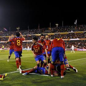 La roja a lo suyo, ganar. España (2) - Republica Checa (1)