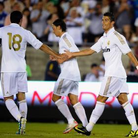 Cristiano a lo suyo, meter goles.Chivas 0 - Real Madrid 3.